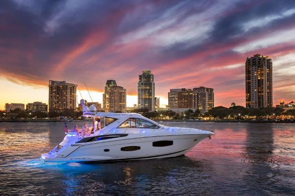 2014 52' Regal 53 Sport Cruiser