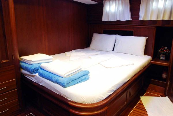 16 M Bodrum Motorsailer Double Bedroom