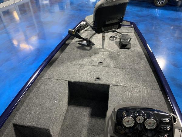 2020 Tracker Boats boat for sale, model of the boat is Pro 170 & Image # 4 of 9