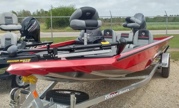 2018 TRITON 17 TX for sale