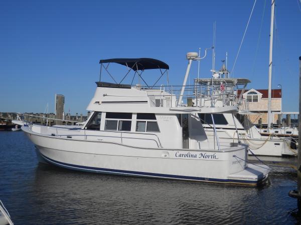 39' Mainship 350 Trawler