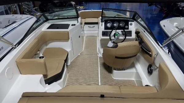2020 Sea Ray boat for sale, model of the boat is 190 SPX & Image # 5 of 9