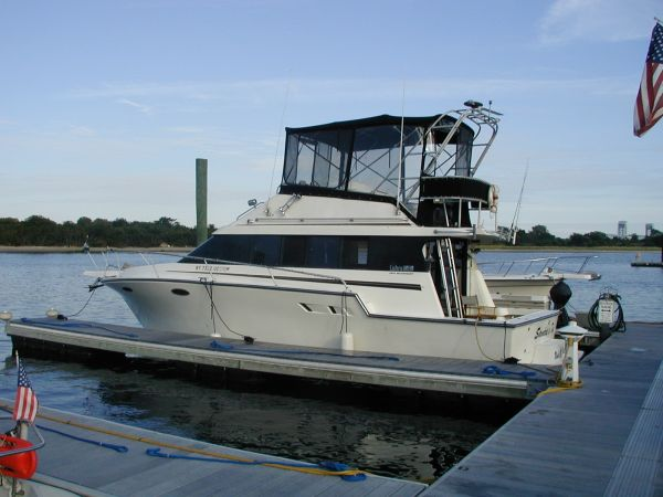 1990 Luhrs 3400 Motor Yacht For Sale