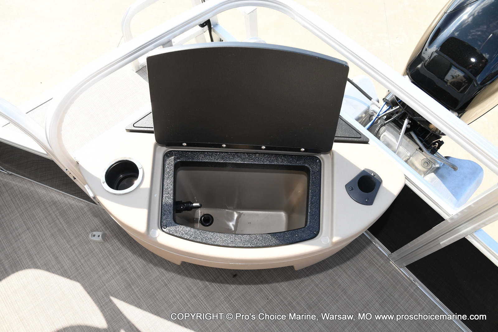 2021 Sun Tracker boat for sale, model of the boat is Bass Buggy 18 DLX & Image # 26 of 46