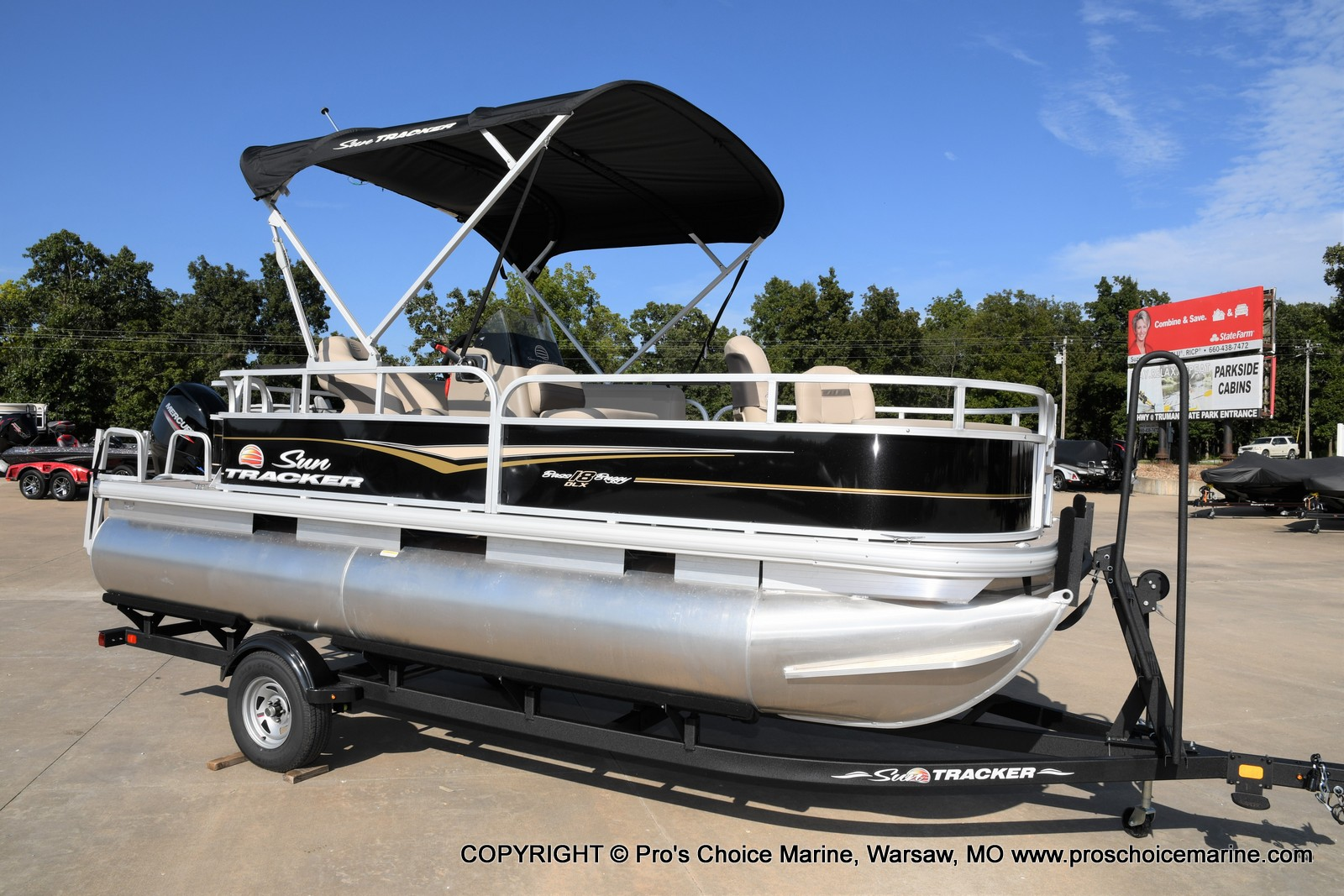 2021 Sun Tracker boat for sale, model of the boat is Bass Buggy 18 DLX & Image # 41 of 46