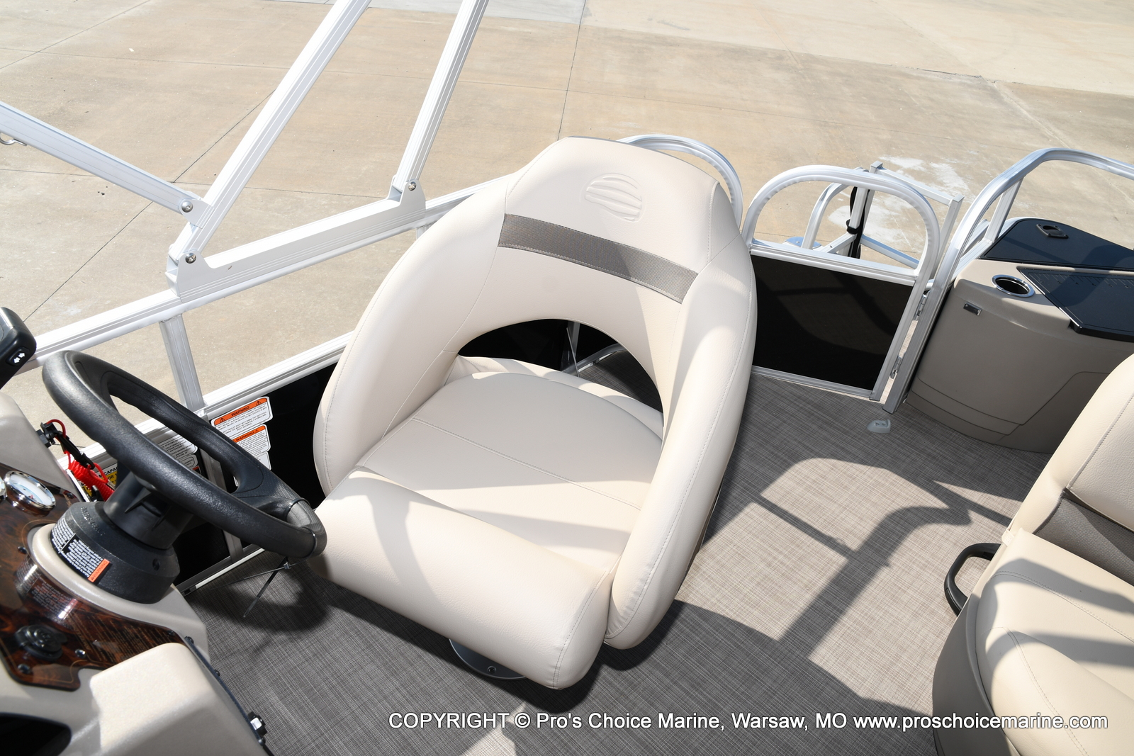 2021 Sun Tracker boat for sale, model of the boat is Bass Buggy 18 DLX & Image # 43 of 46