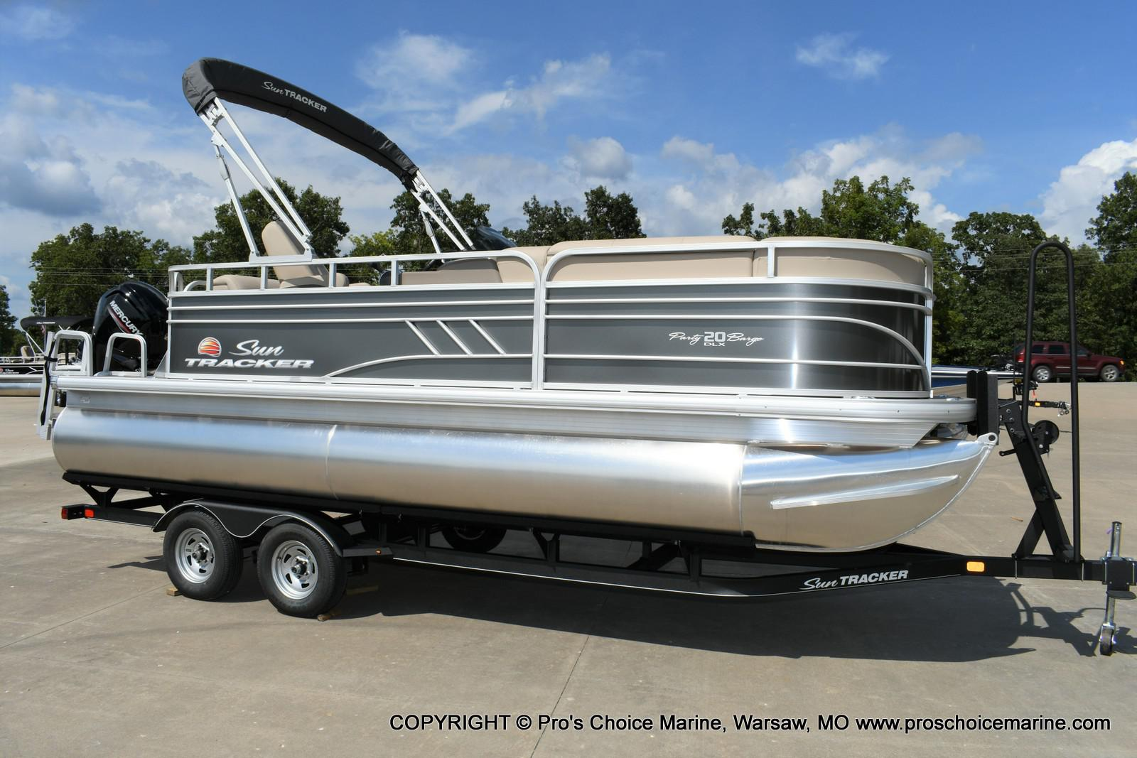2020 Sun Tracker boat for sale, model of the boat is Party Barge 20 DLX & Image # 1 of 50