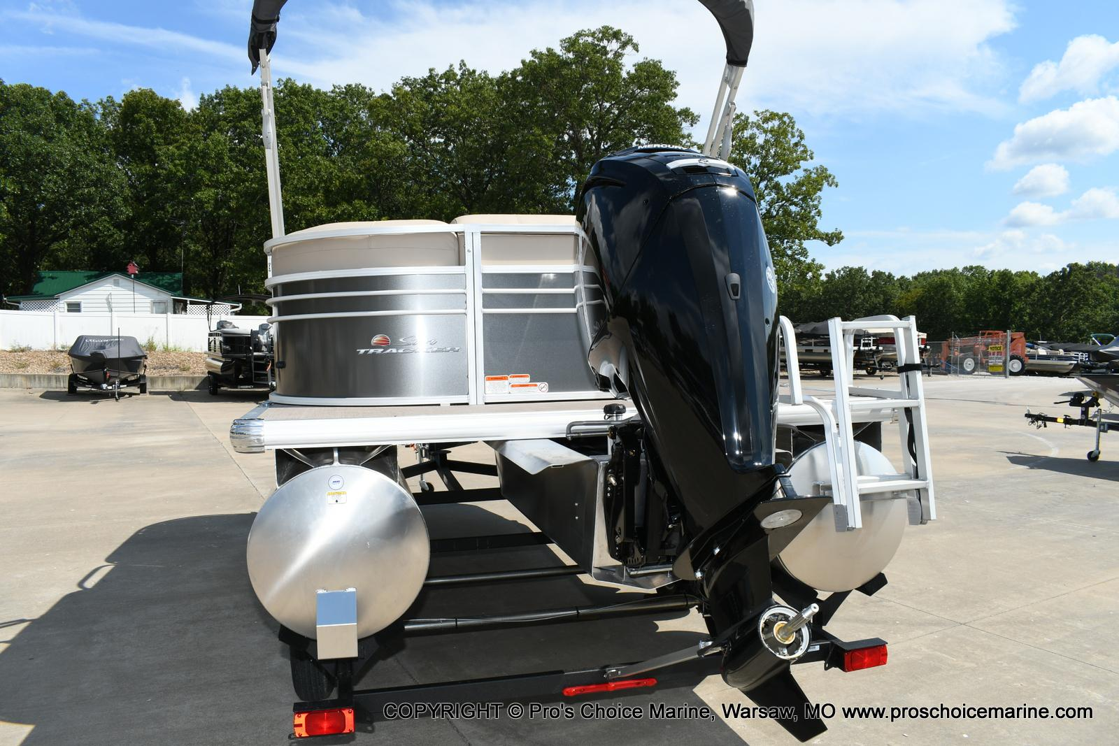 2020 Sun Tracker boat for sale, model of the boat is Party Barge 20 DLX & Image # 13 of 50