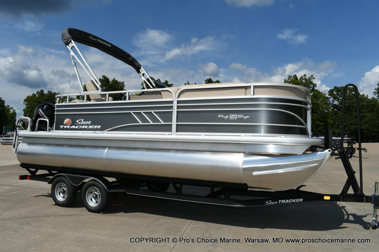 2020 Sun Tracker boat for sale, model of the boat is Party Barge 20 DLX & Image # 2 of 50