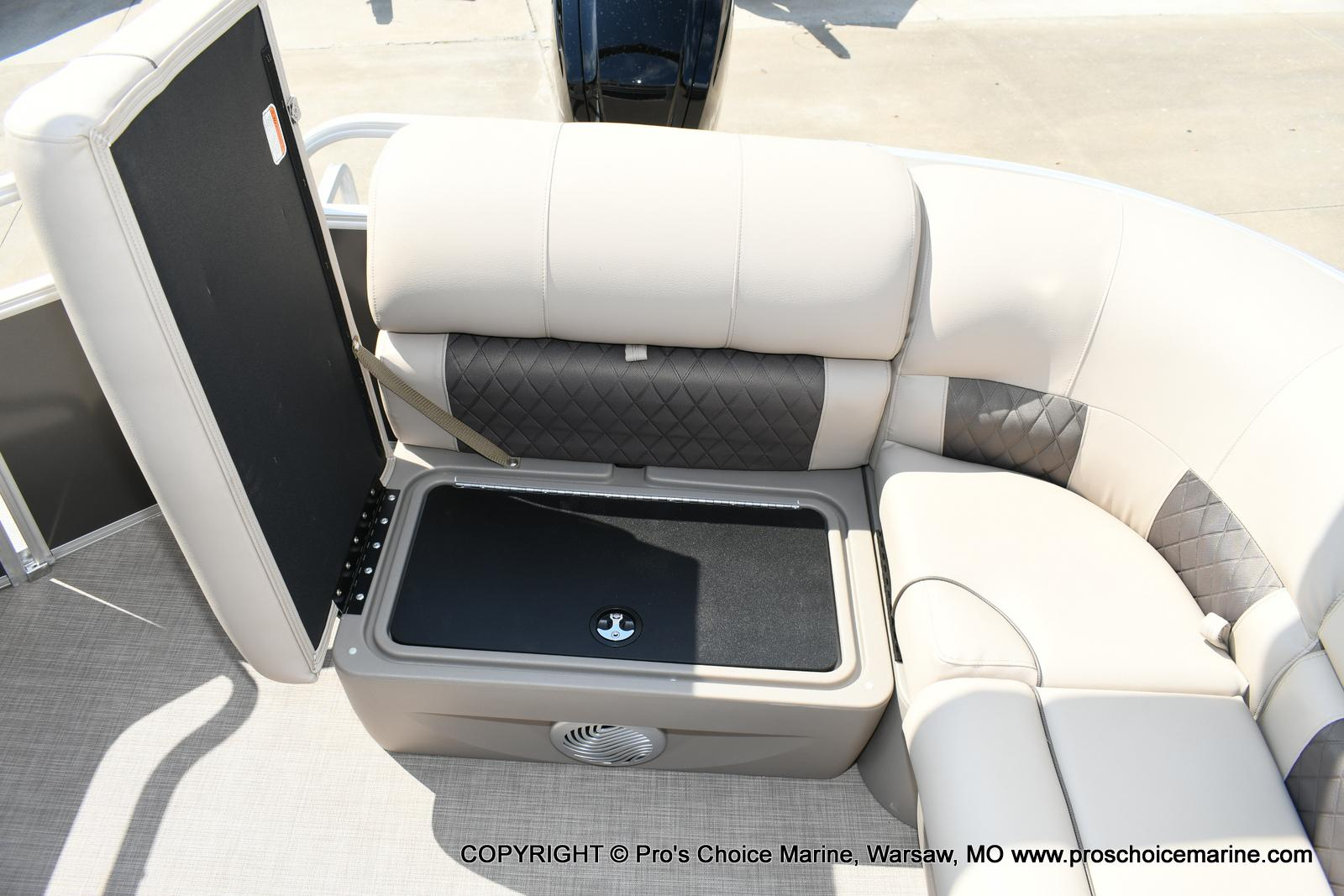 2020 Sun Tracker boat for sale, model of the boat is Party Barge 20 DLX & Image # 27 of 50