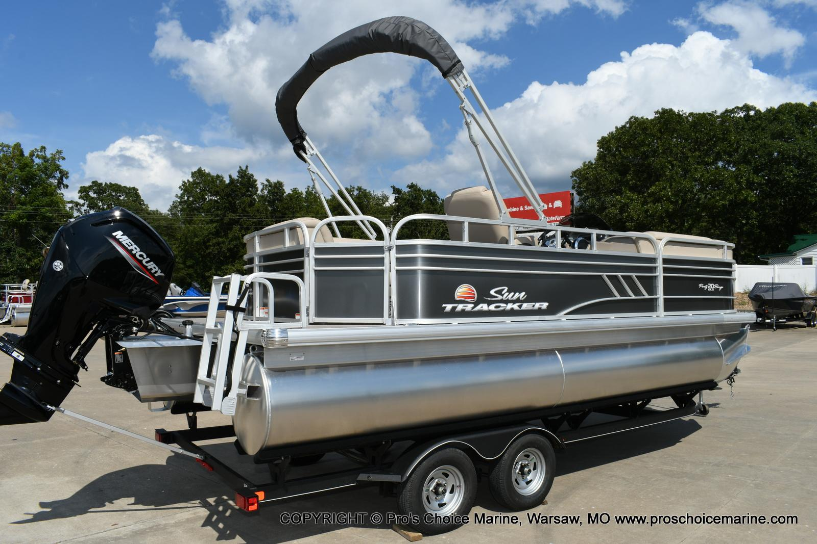 2020 Sun Tracker boat for sale, model of the boat is Party Barge 20 DLX & Image # 32 of 50