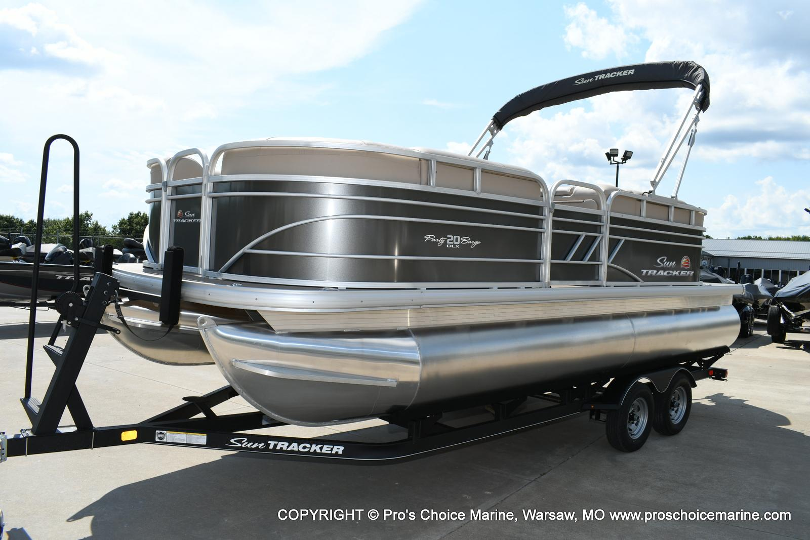 2020 Sun Tracker boat for sale, model of the boat is Party Barge 20 DLX & Image # 33 of 50