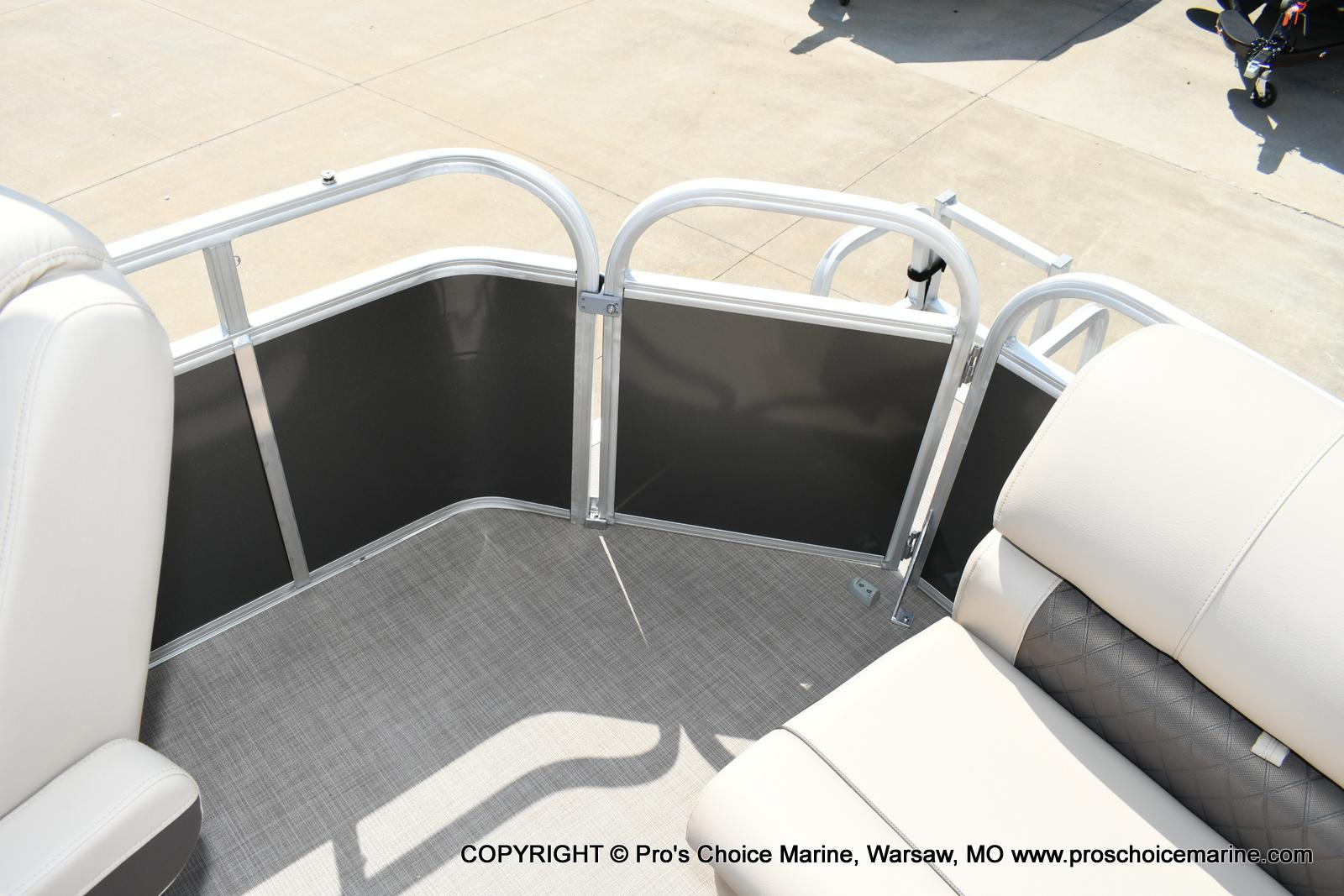 2020 Sun Tracker boat for sale, model of the boat is Party Barge 20 DLX & Image # 37 of 50