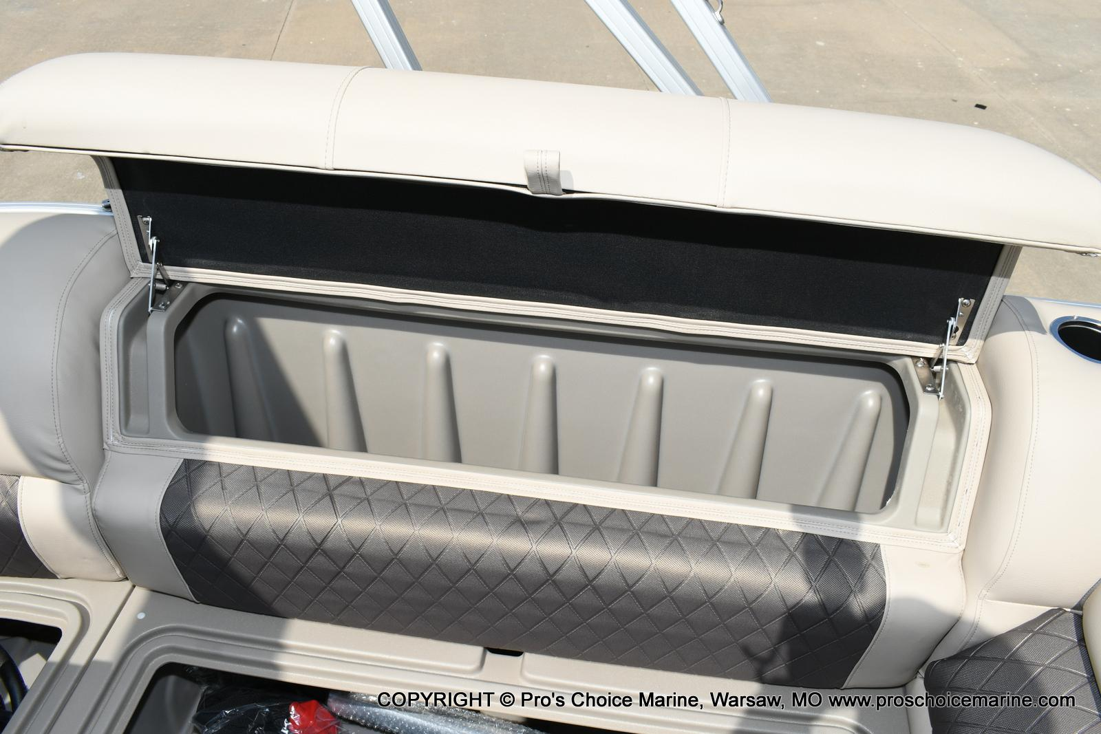 2020 Sun Tracker boat for sale, model of the boat is Party Barge 20 DLX & Image # 40 of 50