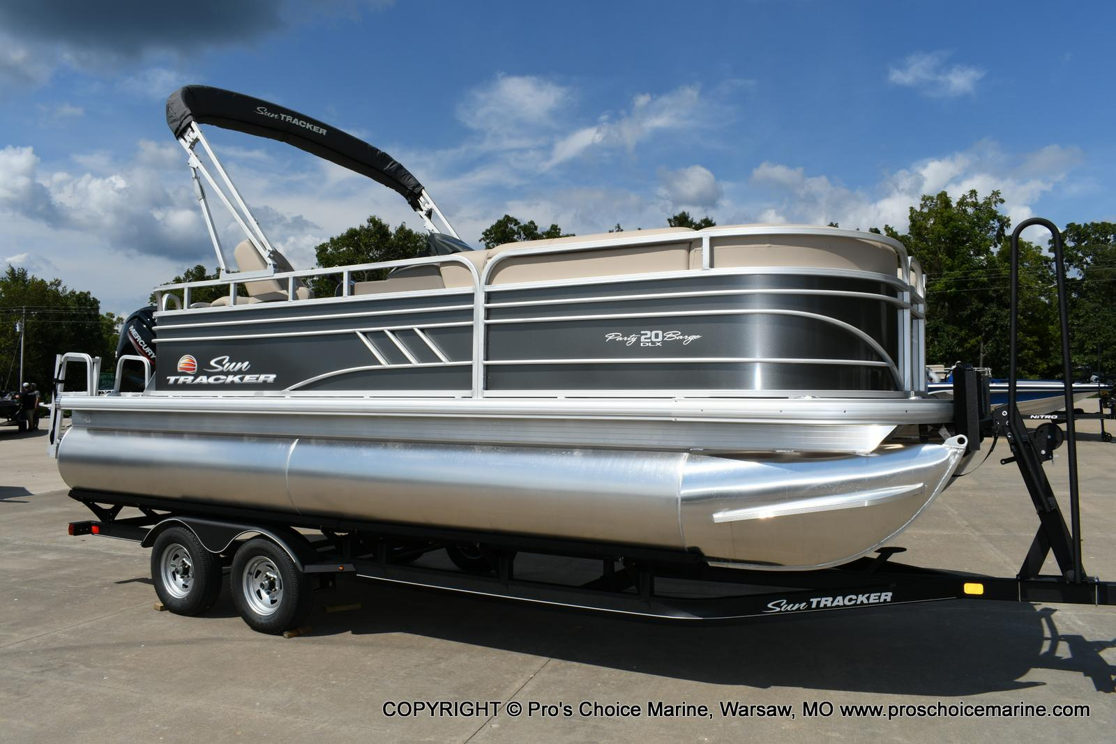 2020 Sun Tracker boat for sale, model of the boat is Party Barge 20 DLX & Image # 42 of 50