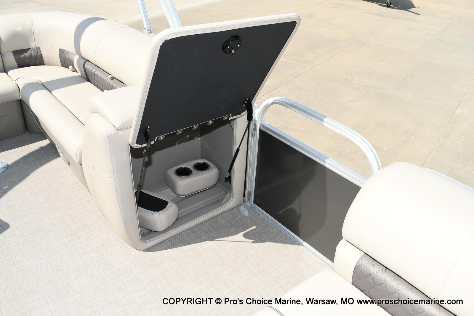 2020 Sun Tracker boat for sale, model of the boat is Party Barge 20 DLX & Image # 44 of 50