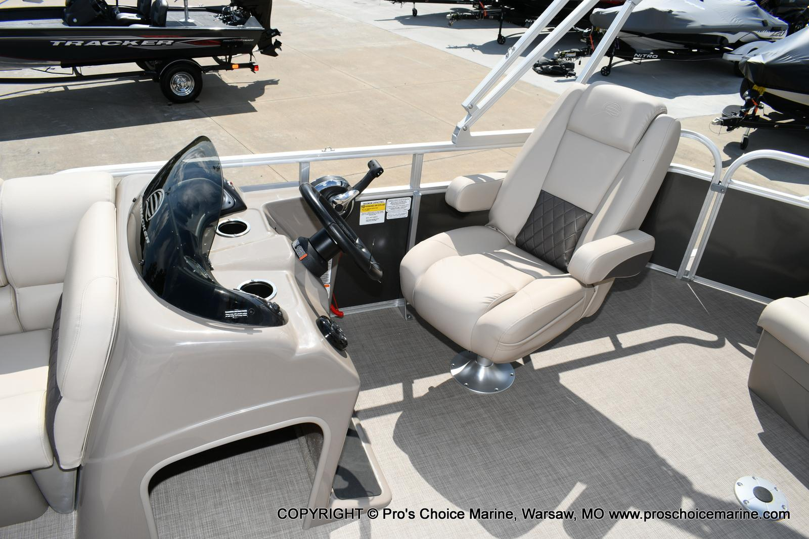 2020 Sun Tracker boat for sale, model of the boat is Party Barge 20 DLX & Image # 6 of 50