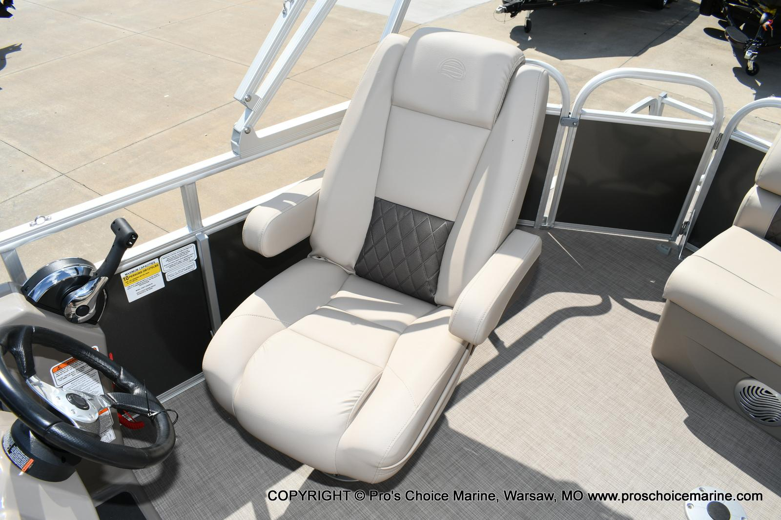 2020 Sun Tracker boat for sale, model of the boat is Party Barge 20 DLX & Image # 7 of 50