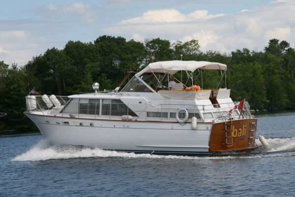 Chris-Craft 38 Constellation Motor Yachts. Listing Number: M-3505558