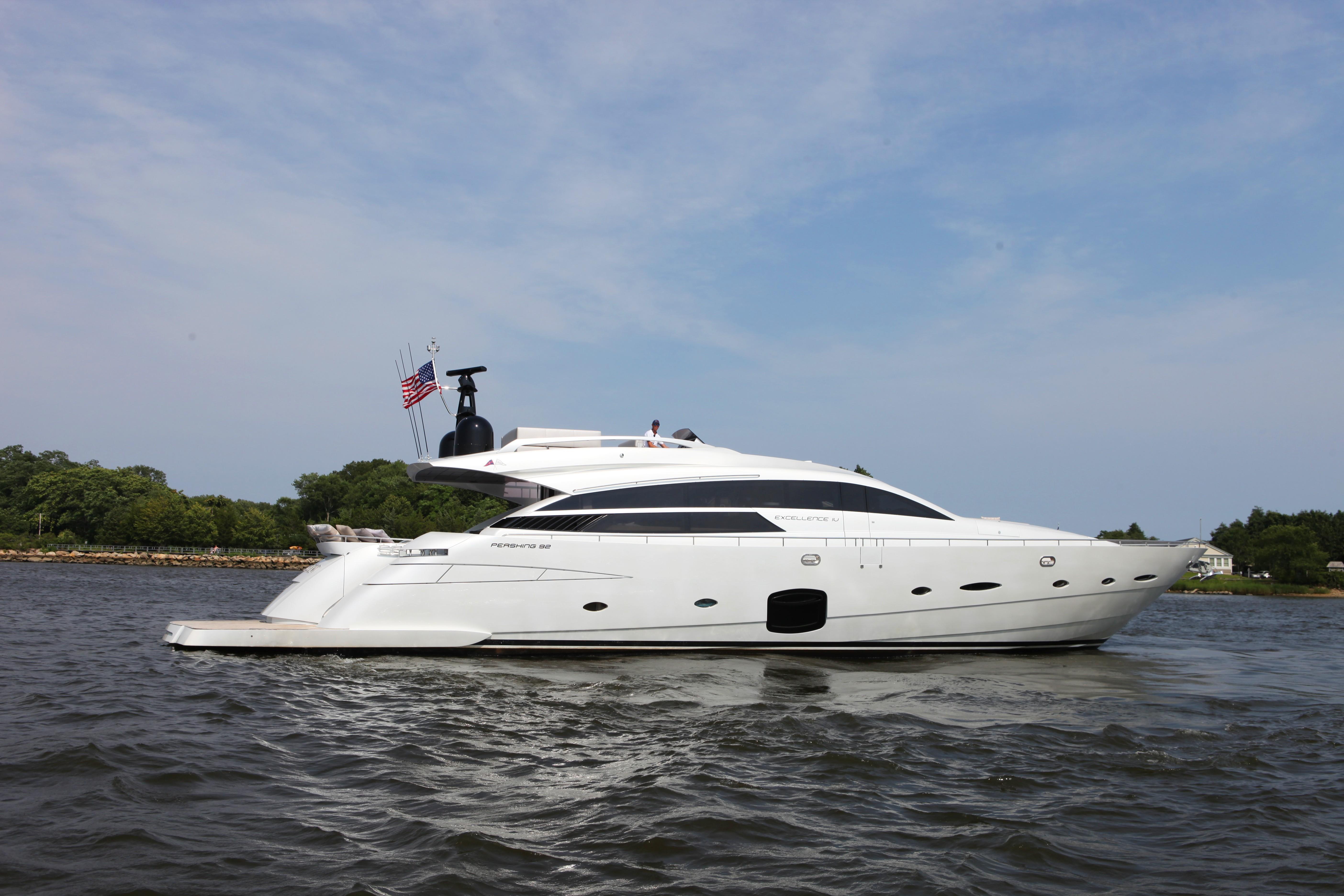 92 ft Pershing Motoryacht