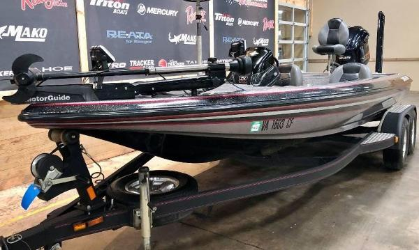 2011 Skeeter boat for sale, model of the boat is ZX 225 & Image # 4 of 10