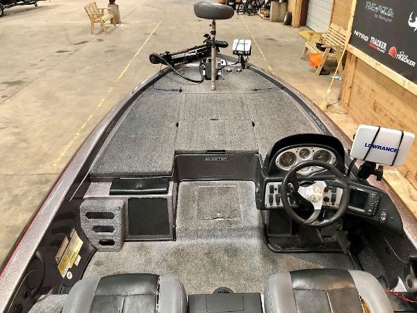 2011 Skeeter boat for sale, model of the boat is ZX 225 & Image # 7 of 10