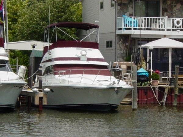 Trojan 10.8 Meter Sedan Convertible Boats. Listing Number: M-3505580