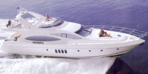 Azimut Plus. Length: 20.73 meter. Model Year: 2005. Price: €1050000