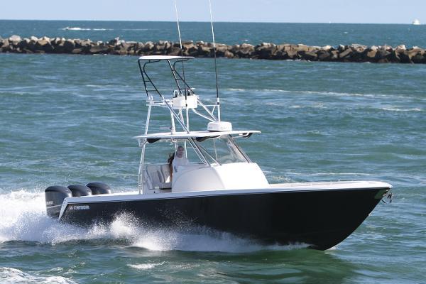 39 Contender Fisharound 2020 Hmy Yachts