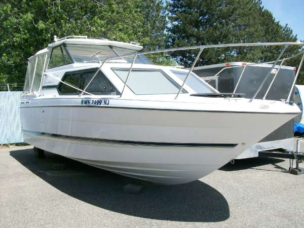 <a href='//www.boatbuys.com/2001-bayliner-ciera-classic-2452xe-for-sale-in-washington_1895477'>2001 Bayliner Ciera Classic 2452xe - $16,999 USD</a>