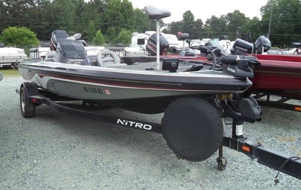2008 Nitro boat for sale, model of the boat is Z7 & Image # 5 of 9