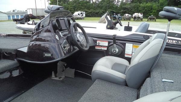 2008 Nitro boat for sale, model of the boat is Z7 & Image # 6 of 9