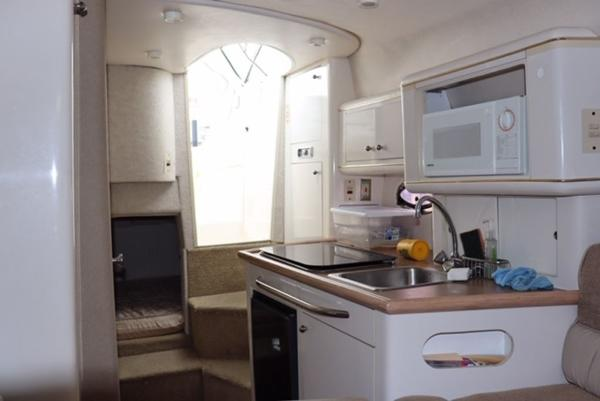 1998 Maxum boat for sale, model of the boat is 2700 SR & Image # 9 of 17