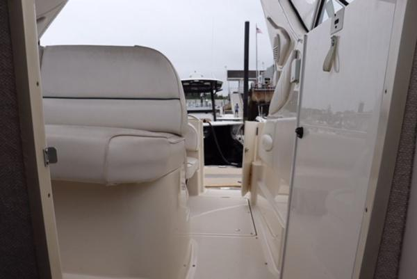 1998 Maxum boat for sale, model of the boat is 2700 SR & Image # 11 of 17