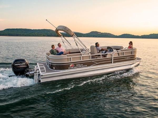 2020 Sun Tracker boat for sale, model of the boat is PARTY BARGE® 22 DLX & Image # 1 of 1