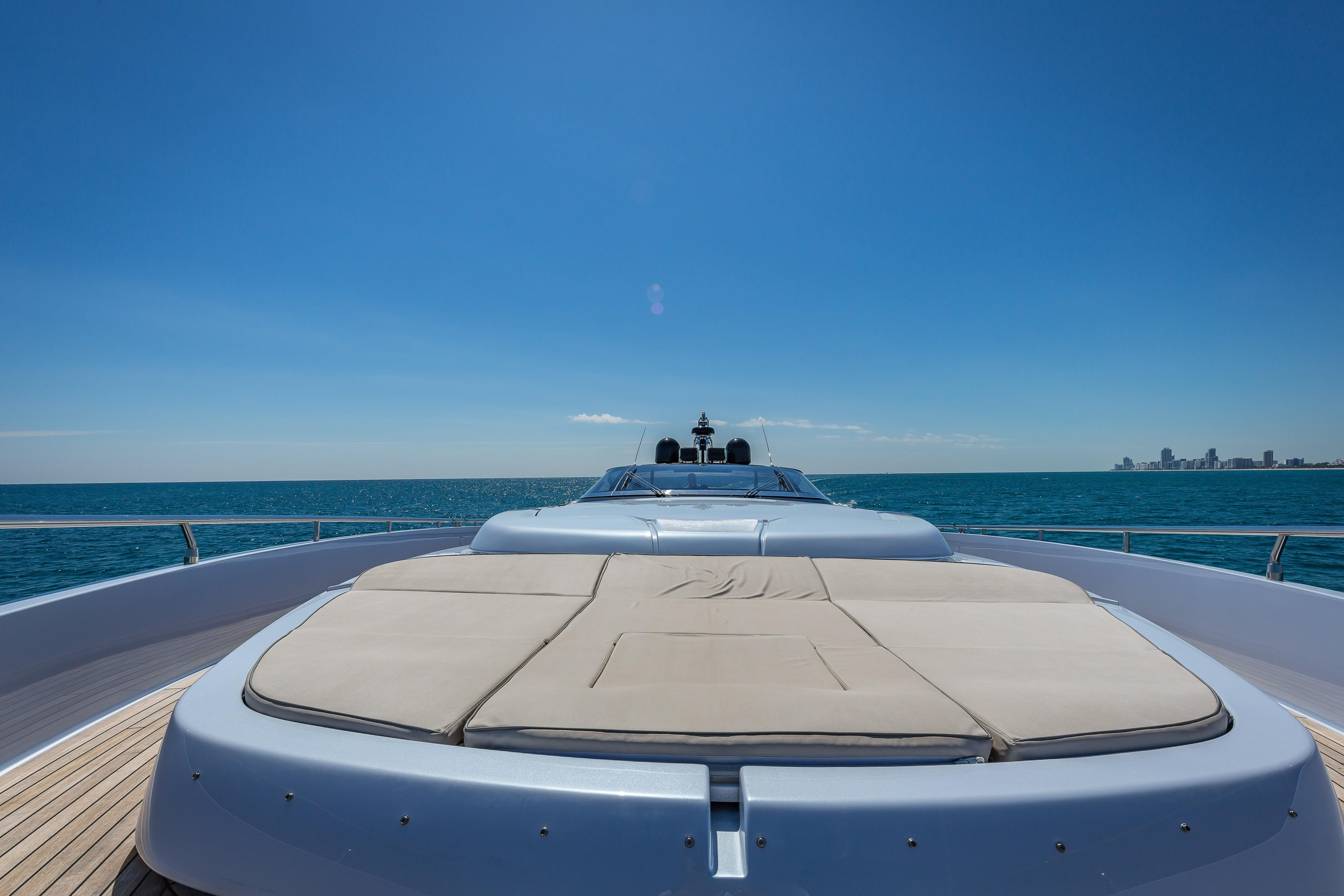 2016 Riva 88 Florida - Bow Sunpads