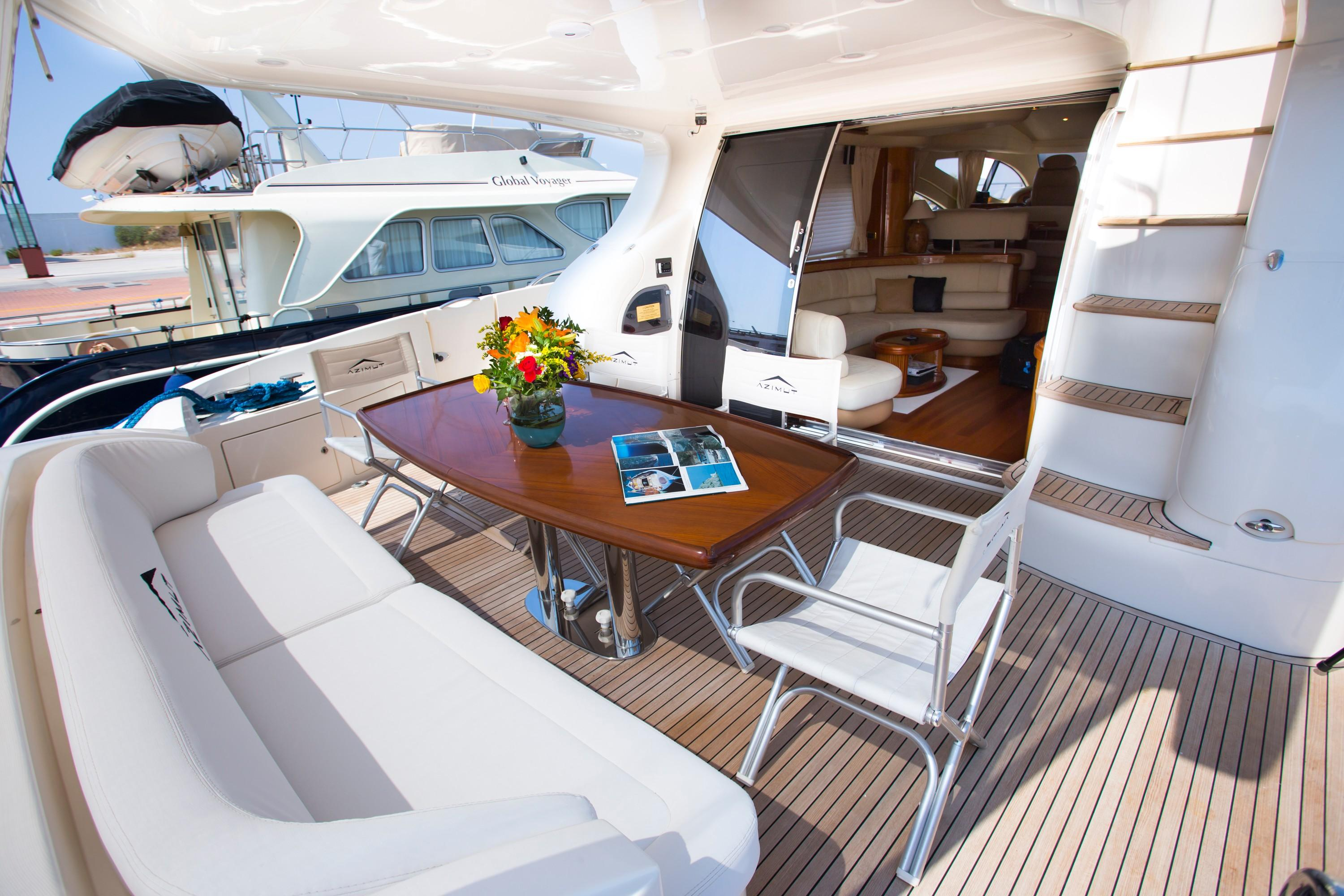 2009 Azuimut 68 Evolution - Aft Deck Dining
