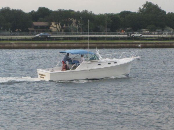 Mainship Pilot Trawlers. Listing Number: M-3235655 30' Mainship Pilot