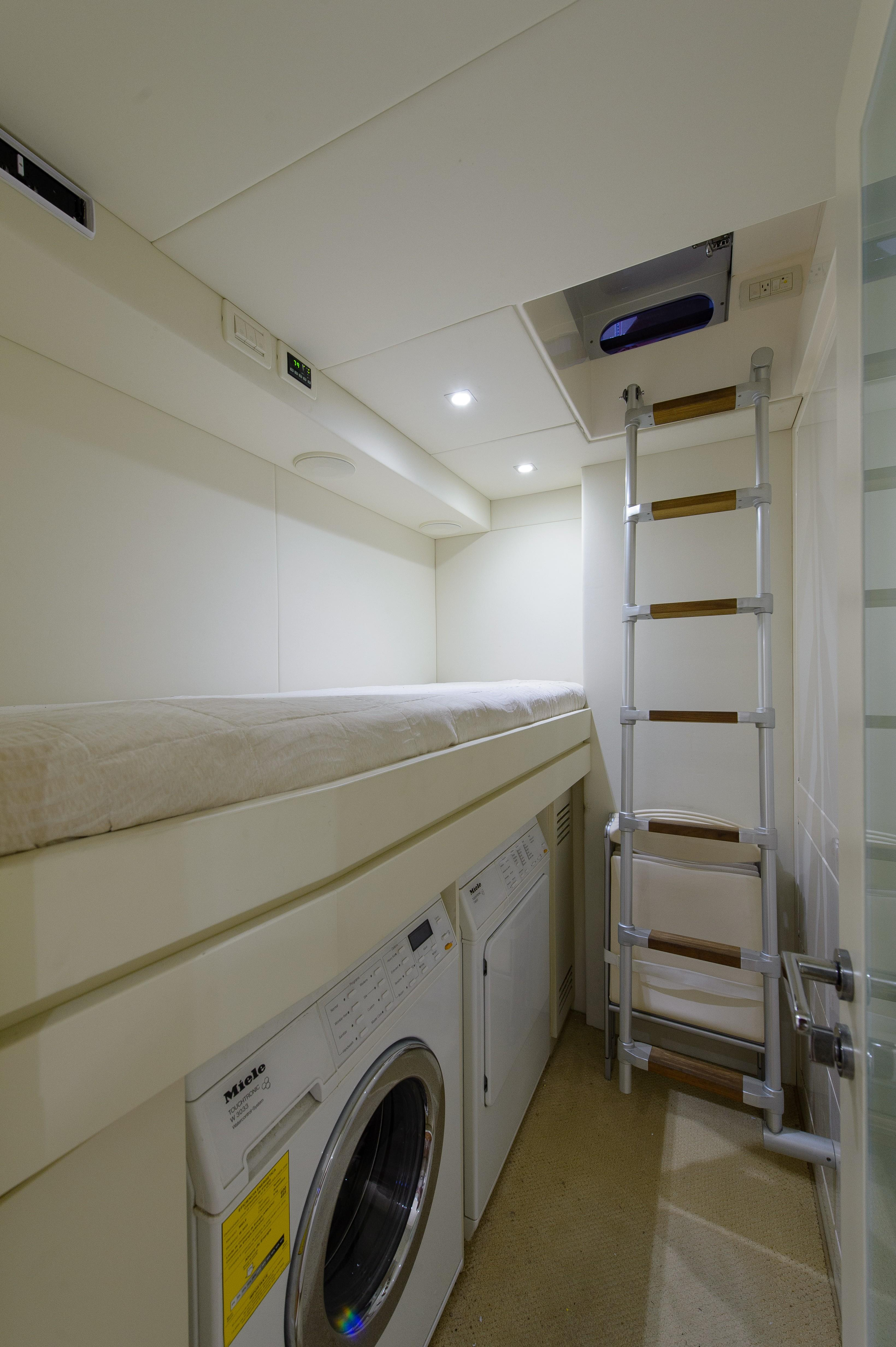 2012 Pershing 64 - Laundry