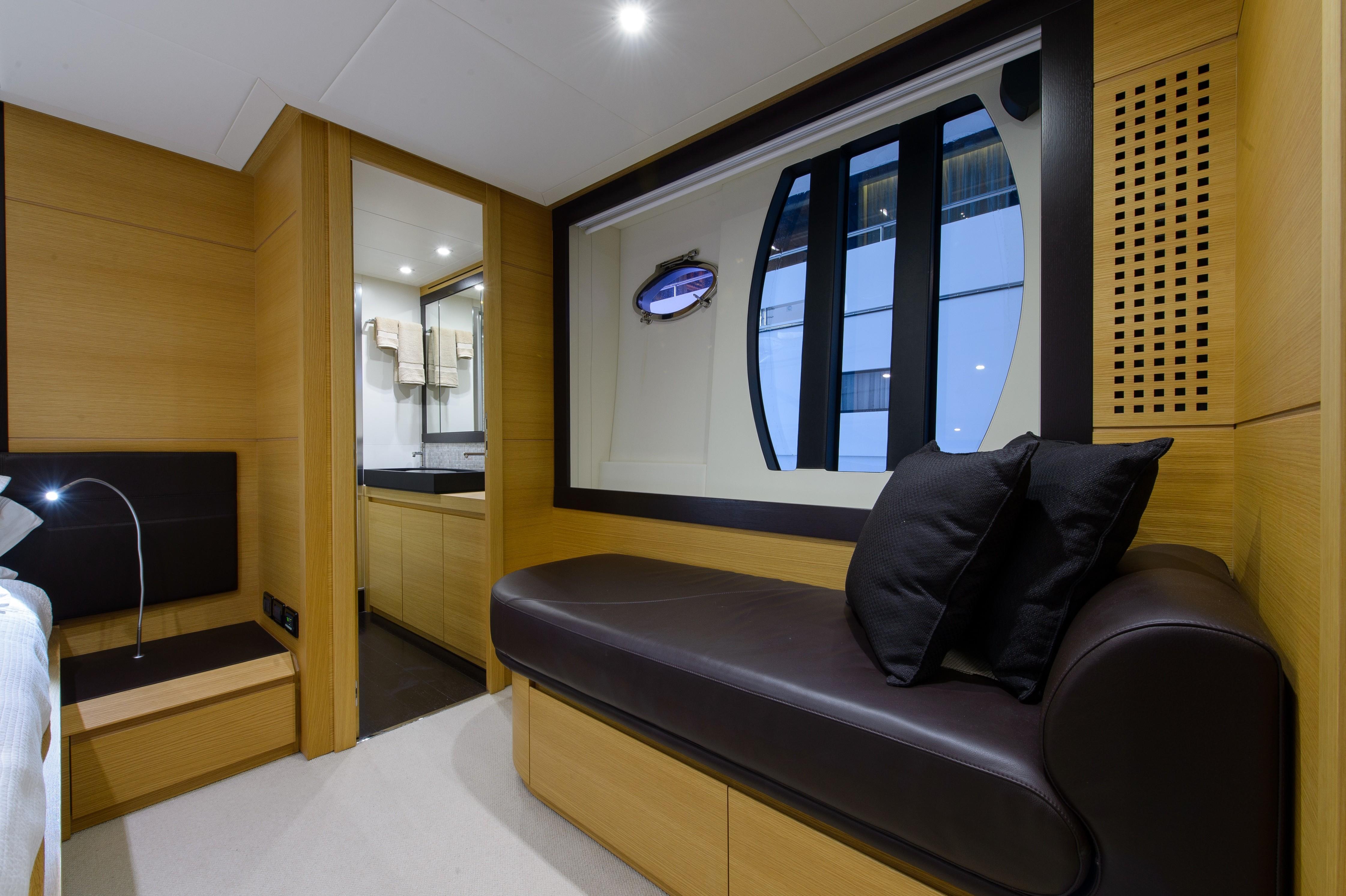 2012 Pershing 64 - Master Lounge