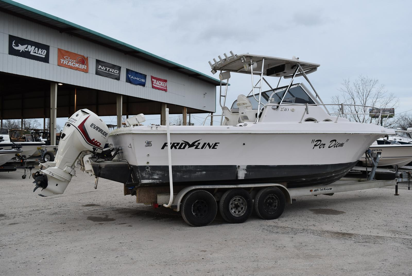 1994 Pro-Line boat for sale, model of the boat is 2510 (HULL ONLY) & Image # 9 of 12