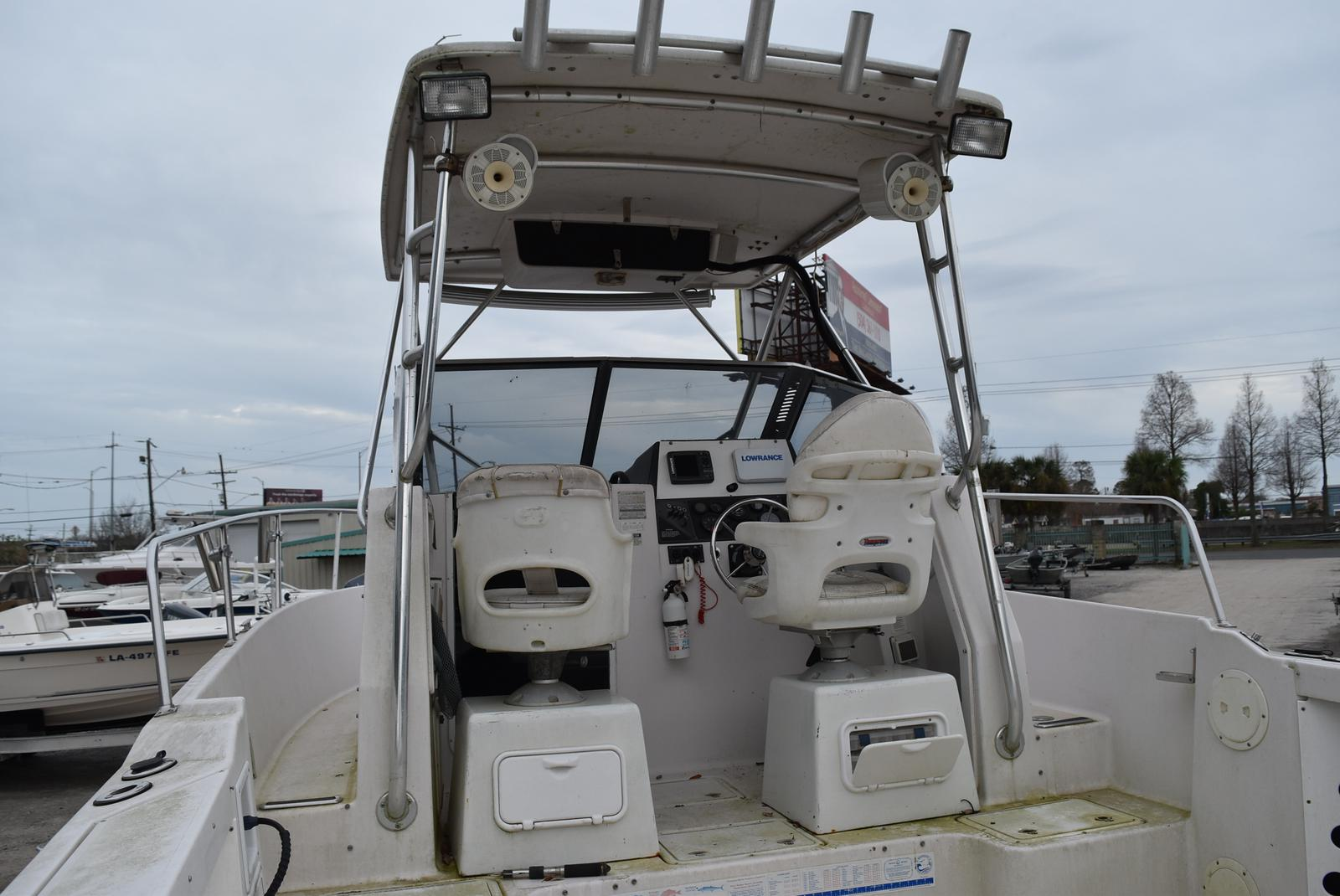 1994 Pro-Line boat for sale, model of the boat is 2510 (HULL ONLY) & Image # 2 of 12
