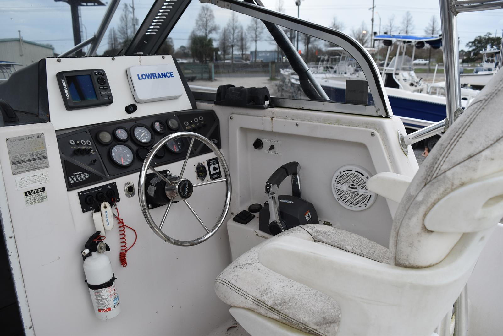 1994 Pro-Line boat for sale, model of the boat is 2510 (HULL ONLY) & Image # 3 of 12