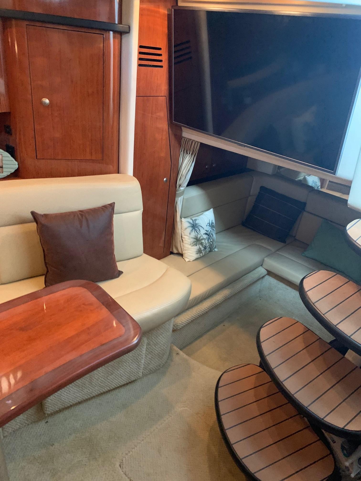 Sea Ray 320 Sundancer - Salon TV