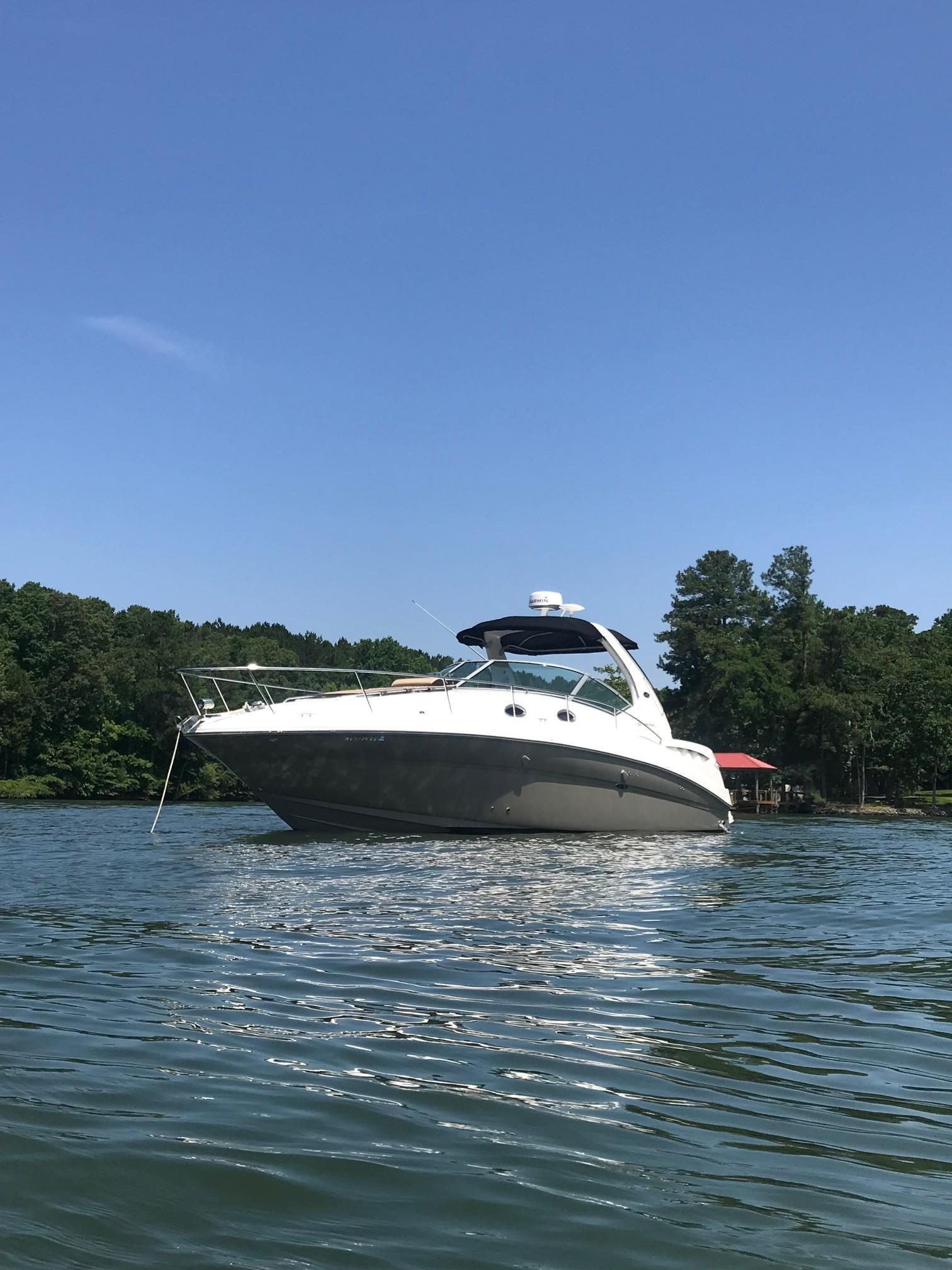 Sea Ray 320 Sundancer - Bow To Port 2