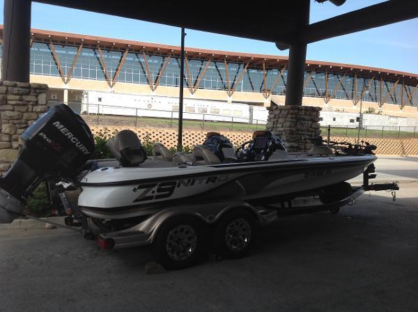 <a href='http://m.boatbuys.com/2014-nitro-z9dc-for-sale-in-missouri_2271137'>2014 Nitro Z9DC - $33,995 USD</a>