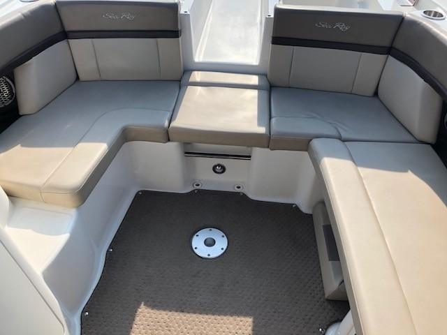 2011 Sea Ray boat for sale, model of the boat is 270 SLX & Image # 3 of 12