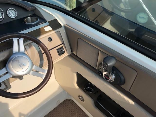 2011 Sea Ray boat for sale, model of the boat is 270 SLX & Image # 6 of 12