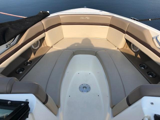 2011 Sea Ray boat for sale, model of the boat is 270 SLX & Image # 2 of 12