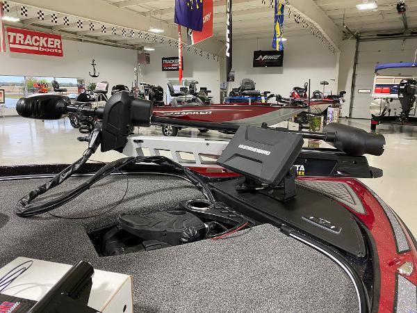 2021 Nitro boat for sale, model of the boat is Z21 Pro & Image # 3 of 10
